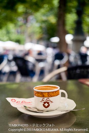 オープンカフェのコーヒー(マドリード:Cafe SWISS)  1483