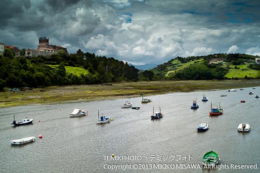 古城の見える河口(カンタブリア地方)  1520