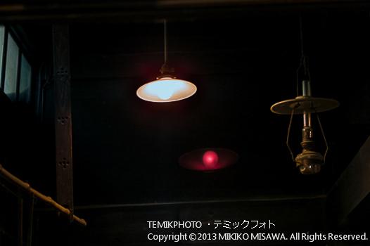 オイルランプと電灯(秋田・角館)  1205