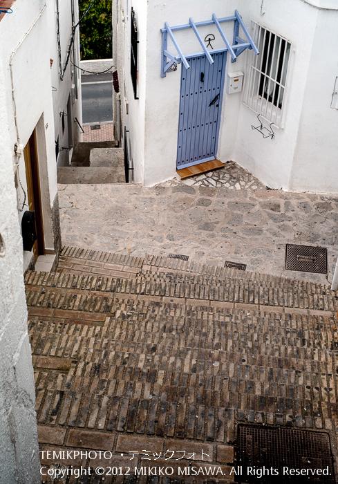 階段とエル・インダロのついた住宅(アンダルシア地方・モハカール)  3868
