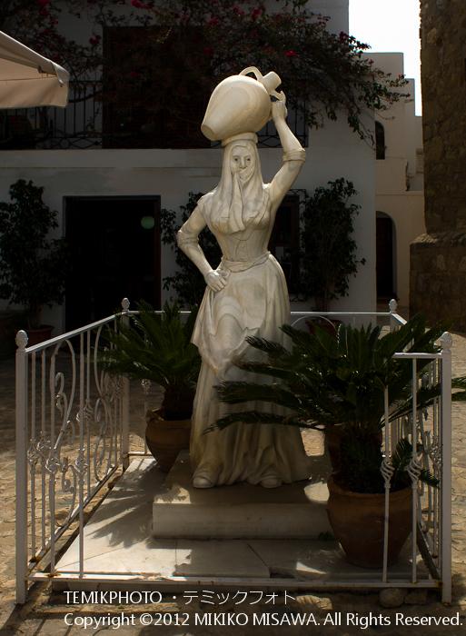 モハケーラの彫像(アンダルシア地方・モハカール)  3918