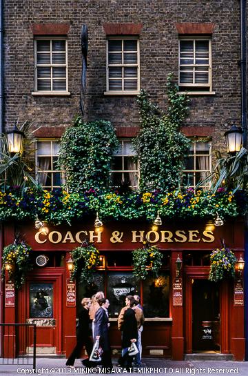 馬具の店 (ロンドン)  2400