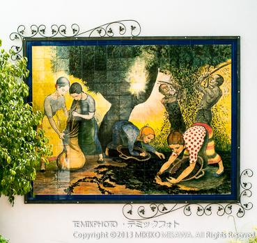 オリーブの実の収穫を描いた絵タイル・ソルバス村 (アンダルシア地方・アルメリア)  3522