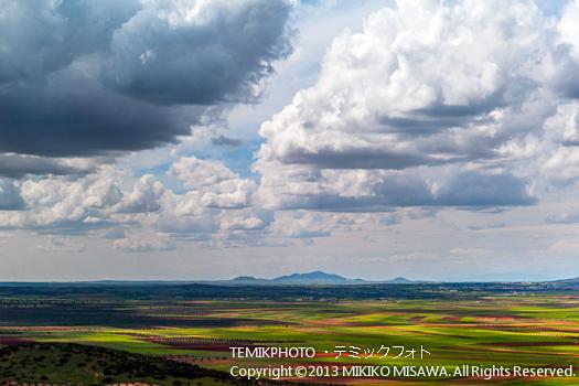 Blog-13-230 沃野と雲 オルガス (カスティージャ・ラ・マンチャ地方・トレド)  9769
