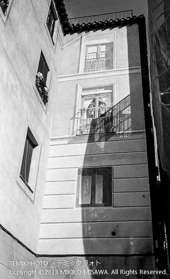 Blog-13-69 修理中のアパート トレド (カスティージャ・ラ・マンチャ地方・トレド)  6703