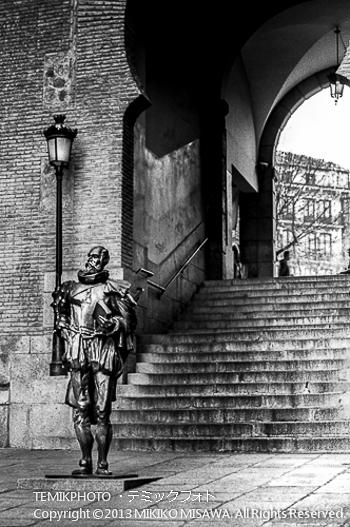 Blog-13-8 セルバンテスの彫像 トレド (カスティージャ・ラ・マンチャ地方・トレド)  5977