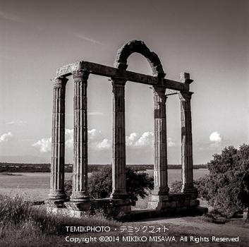 川辺のローマの遺跡