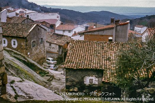 山間の寒村  10941
