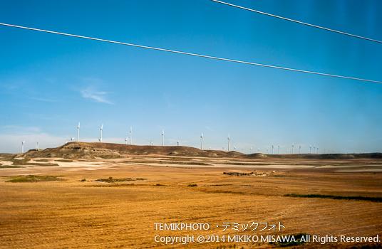 """サラゴサ近郊の風景 : 高速鉄道 """"AVE"""" の車窓から  11148"""