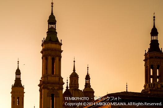 夕暮れのエル・ピラール聖堂 : 11207