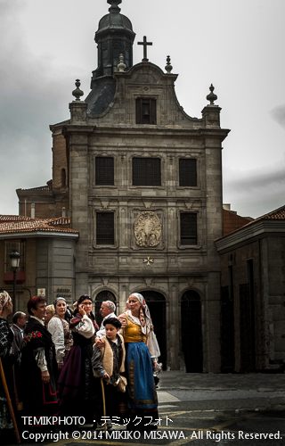 """Iglecia del Scramento""1615年建立のシトー会の修道院の 寺院は、現在、軍属司祭の「サクラメント教会」となっている。 12809"