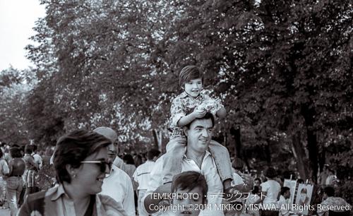 レティーロ公園で遊ぶ人々  1842