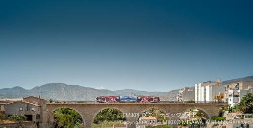 アマドロス川を渡る列車 21203