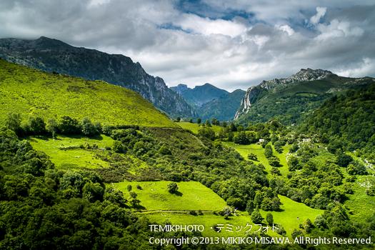 アストゥーリアスの山並み (アストゥーリアス地方)  5897