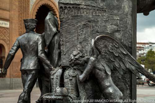 闘牛士ホセ・クベーロの碑(マドリード)  14055