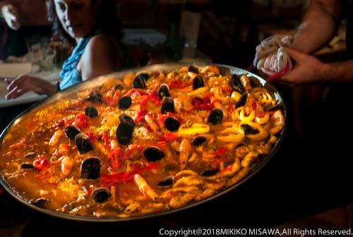 パエジャ(パエリア):スペインの米所バレンシア地方の炊き込みご飯  1044