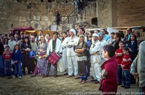 祭りに集まる人々(アンダルシア地方・ウエルバ県)  11412