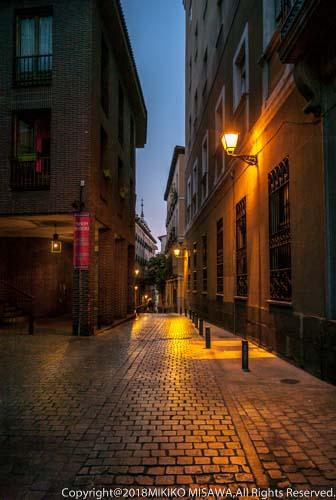 夕暮れの裏通り(マドリード)  18082