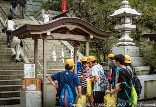 子供達:江ノ島・瑞心門前  28934